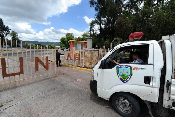 Desde enero, Zelaya vive en República Dominicana. La fiscalía lo acusa d...