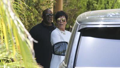 Luego de romántico viaje en yate con su novio, Kris Jenner ahora presume anillo de diamantes