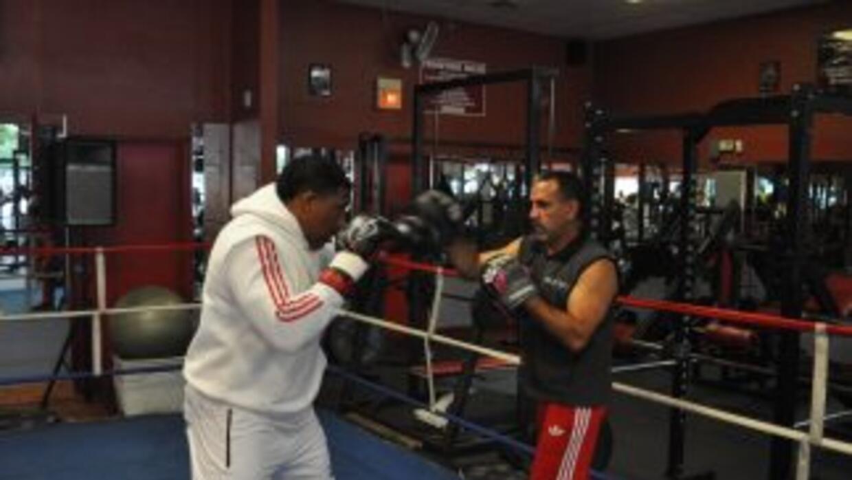 Solo dos peleas separan a Odlanier Solis de Wladimir Klitschko.