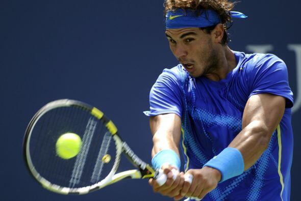 Rafael Nadal[2] terminó con el sueño de Gilles Muller7(7)-6(1), 6-1, 6-2.