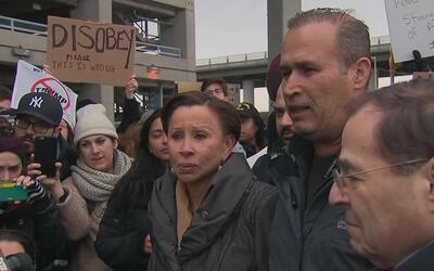 En video: las primeras palabras del iraquí detenido en el aeropuerto JFK...