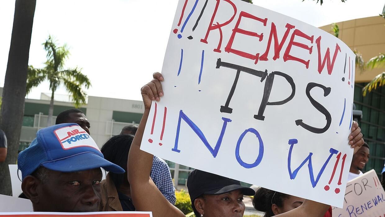 Lo que pasa y puede pasar con el TPS para inmigrantes centroamericanos