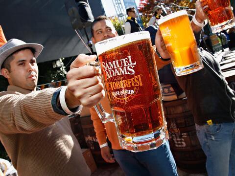 La Fiesta de la Cerveza animó a la la ciudad de Nueva York con su...