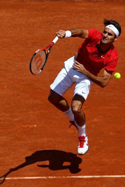 Roger Federer continúa adelante, con autoridad, en su objetivo de reconq...