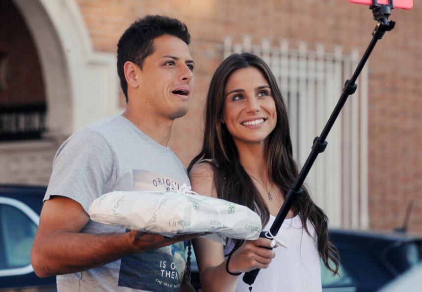 Javier Hernández y Lucía Villalón
