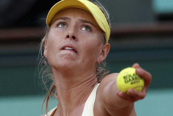 29. MARIA SHARAPOVA- Maria Sharapova es el perfecto ejemplo de que la ed...