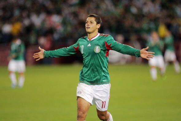 Javier Hernández dejaba de ser promesa para ser un buen presente.
