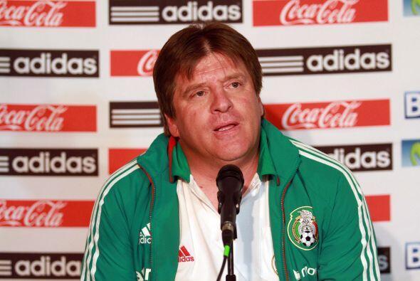 21.- Y mientras todo era dulzura en América, la selección mexicana estuv...