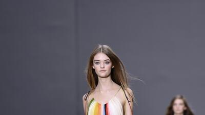 Vestidos de arcoíris, el juego infinito de los colores