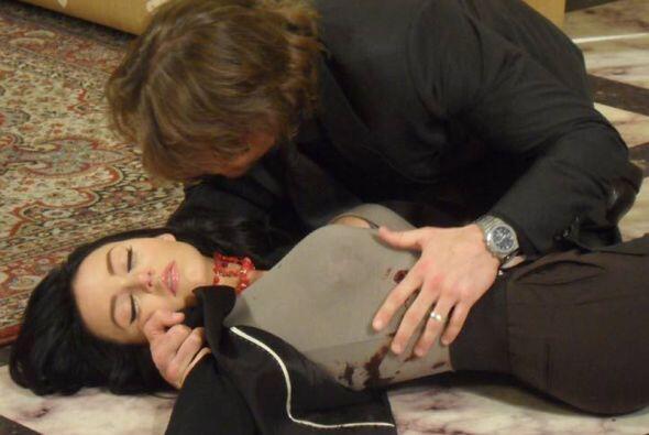 """Casi la mataron en """"Teresa"""", pero en la vida real es ella y no Cupido qu..."""