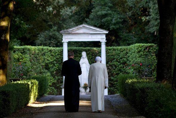 En el patio interior -entre imágenes religiosas- hay una de Polifemo, qu...