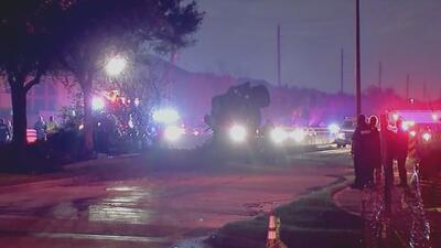 Conductor de un camión de carga murió tras estrellarse con un muro de contención