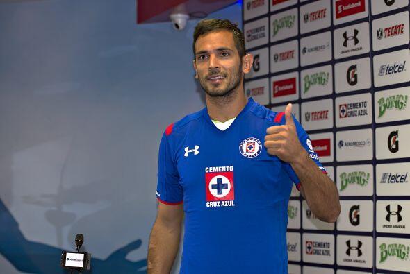 1.- Roque Santa Cruz: El paraguayo, ex figura de clubes como el Bayern M...