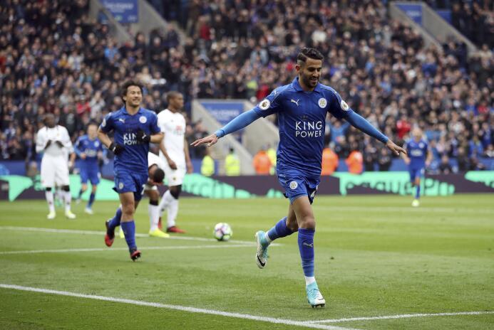 Riyad Mahrez también saldría del Leicester City y el destino que más sue...
