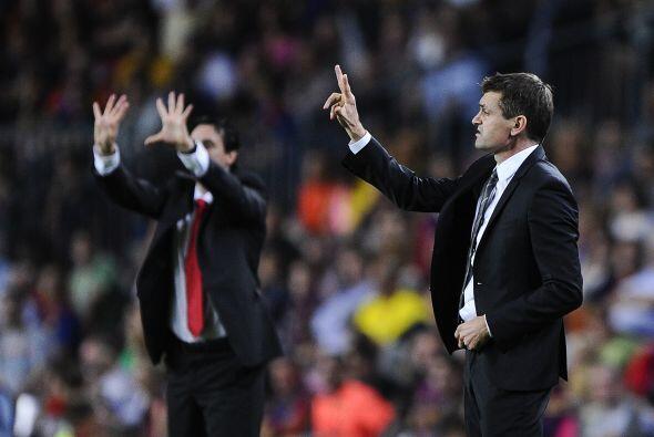 El entrenador 'blaugrana' Tito Vilanova se enfrentaba a su compatriota U...