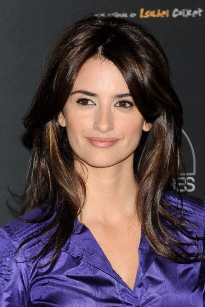 ¡Woow!, ¿ya viste cómo le brilla el cabello?, la modelo fue la imagen de...