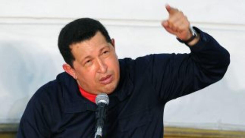 El presidente venezolano, Hugo Chávez anunció dos aumentos la salario mí...