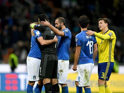 La retirada de los jugadores se produce después que la 'Azzurra'...