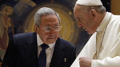 Raúl Castro y el Papa Francisco se reúnen en el Vaticano