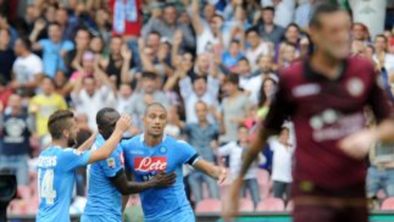 Los napolitanos golearon sin piedad al Livorno.