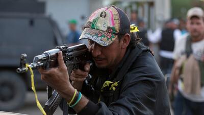 Guerra por el control de Michoacán entre autodefensas, carteles de la dr...