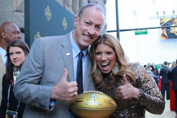 La leyenda de la NFL Jim Kelly dejó el cáncer atrás y está más feliz que...