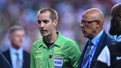 El árbitro estadounidense reconoció sus errores en el México-Panamá.