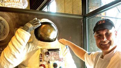 Escultura de Neil Armstrong de Chocolate