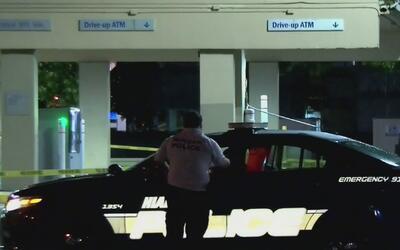 Se llevan un cajero automático tras arrancarlo de un banco en Hialeah