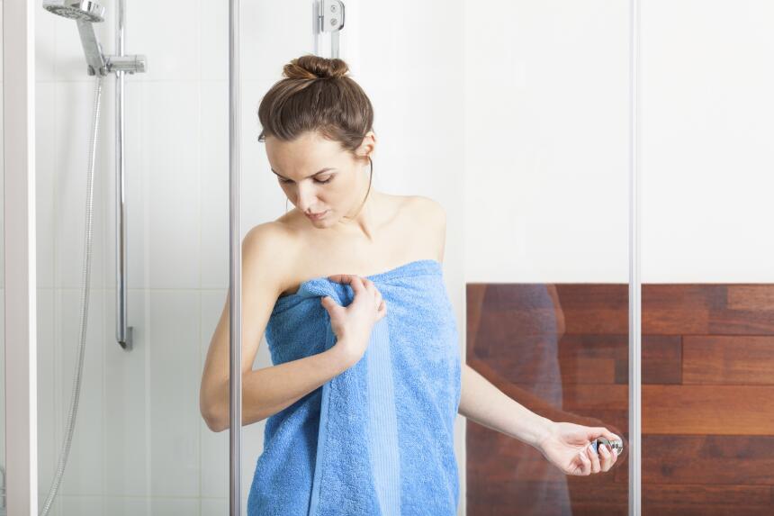 Este método para evitar la plancha es muy sencillo. Mientras te duchas p...
