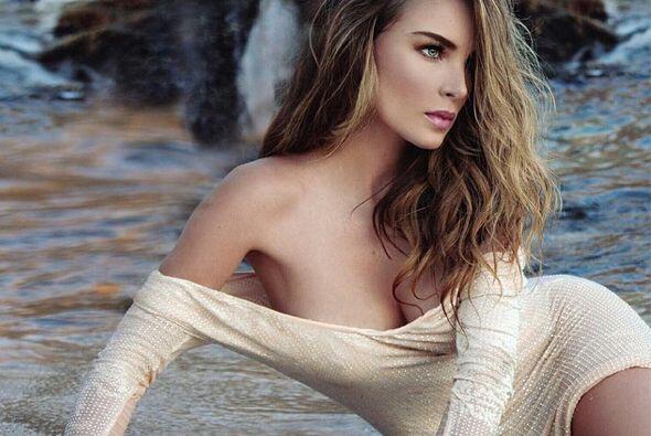 Belinda también ha mostrado que es delgada pero curvilínea.