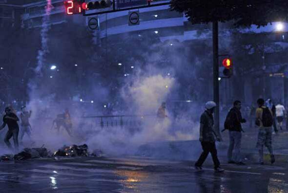 """El gobierno de Maduro condenó las protestas y una vez más llamó """"fascist..."""