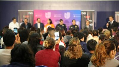 En Houston, foro de inmigración se convirtió en acto de convivencia entre indocumentados, autoridades y  abogados