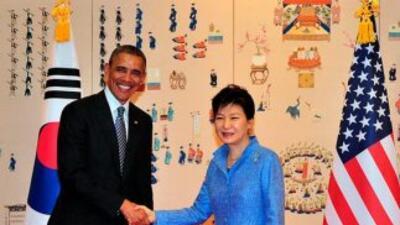 Obama con la mandataria surcoreana, Park Geun-Hye.