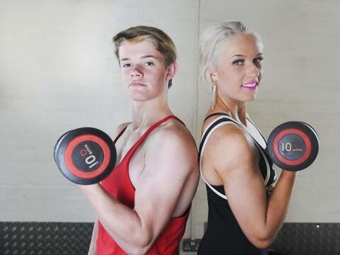 Estos jóvenes hermanos son capaces de levantar 600 libras de peso...