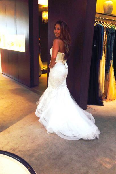 Al juzgar por su sonrisa este vestido le gustó mucho a la Chiquibaby.