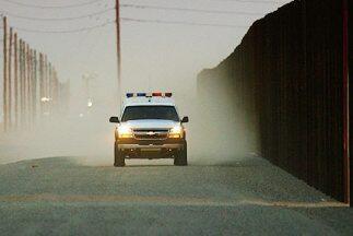 Una unidad de la Patrulla Fronteriza (Border Patrol) de Estados Unidos v...