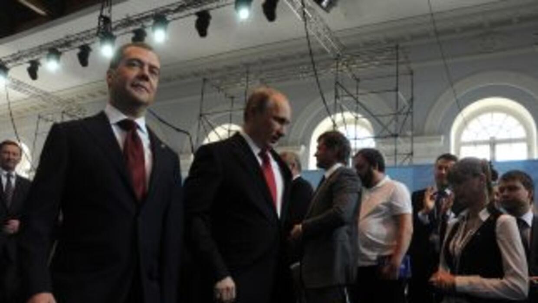 El primer ministro de Rusia, Dimitri Medvedev, fue elegido líder del par...
