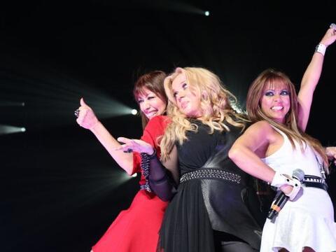 Fotografías tomadas durante el concierto de Ednita Nazario, efect...