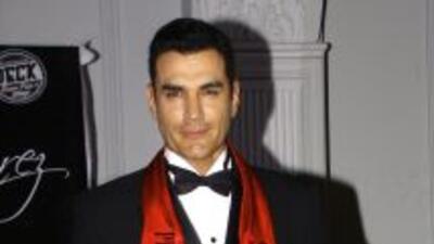 Los rumores comenzaron por una fotografía del actor en Twitter.
