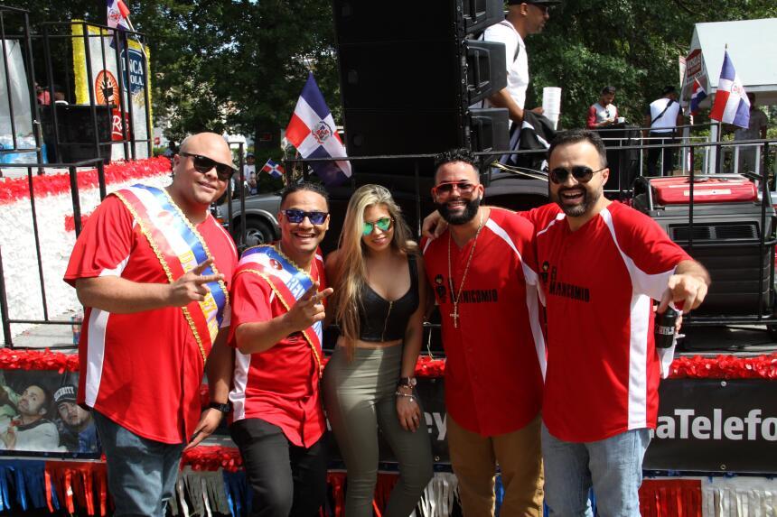 Celebra La X en el Desfile Dominicano en NJ IMG_1798.JPG