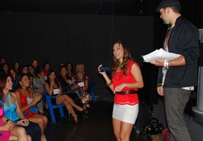 Con cámara en mano, Melissa no quería perder detalle de las audiciones.