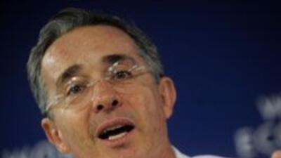 """Uribe """"mina"""" relaciones con Venezuela, señaló el gobierno de Hugo Chávez..."""