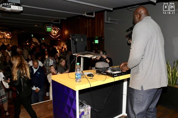 DJ Diesel (Shaq) poniendo a bailar a todo el mundo por #Ko8be24