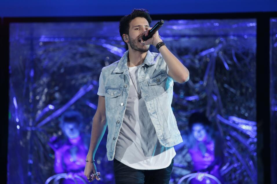 Famosos en los ensayos de Premios Juventud 2017.