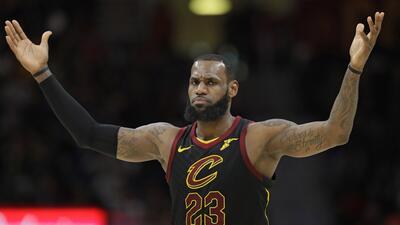 Triunfo de LeBron y derrota de unos Warriors que suman una nueva estrella lesionada