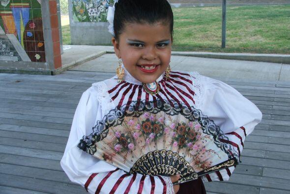 Asegura que el arte y la danza y el conocimiento de la cultura contribuy...