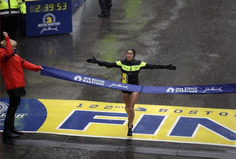 Desiree Linden y Yuki Kawauchi ganan el Maratón de Boston 2018 ap-181065...