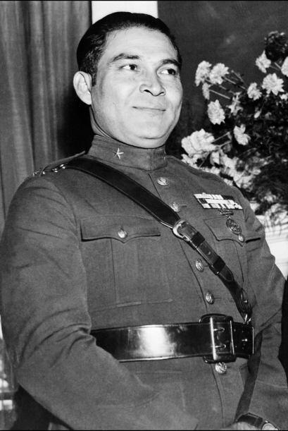 Castro inició su actividad en contra de la dictadura del general...