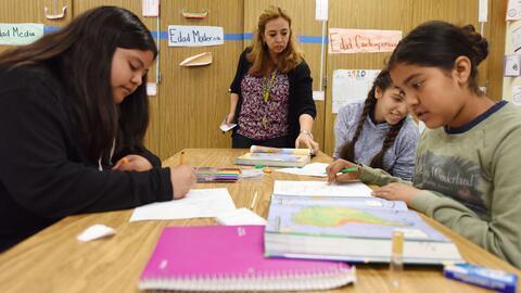 Estudiantes en una escuela secundaria de Los Ángeles, en California.